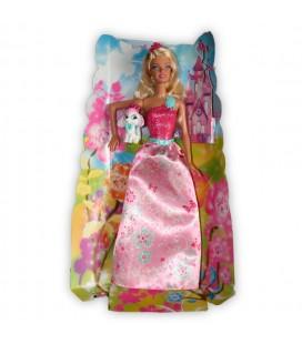 La poupée Barbie et son petit chien sur leur décor